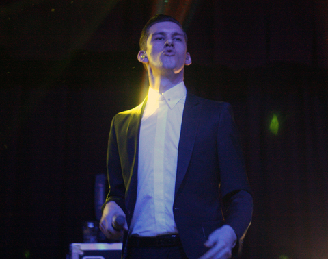 Willy-moon-01