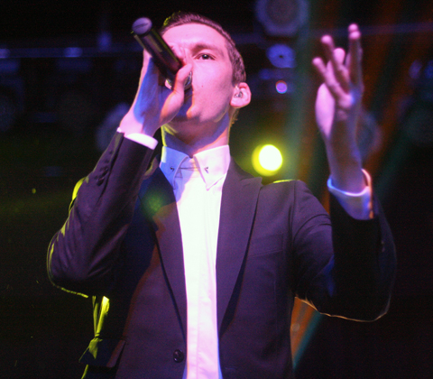 Willy-moon-02